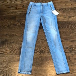 Tre jeans with zipper pockets